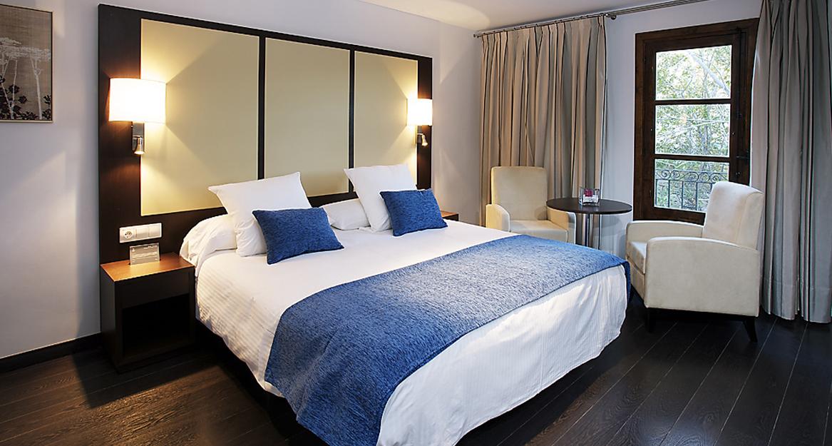 partamentos Pueblo Acantilado Suites - APHA Asociacion de hoteles y apartamentos turisticos de la provincia de Alicante
