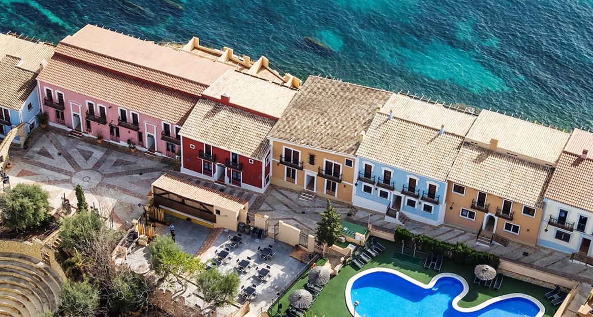 partamentos Pueblo Acantilado Suites - APHA Asociacion de hoteles y apartamentos turisticos de la provincia de Alicante 3